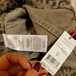 Current/Elliott Jeans - NWT Current Elliot The Stiletto Cropped Jean's